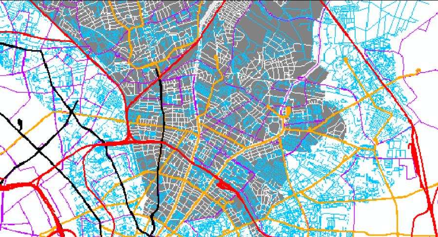 Abgebildet ist ein Screenshot aus einer GIS-Anwendung. Gezeigt wird das Straßen- und Schienennetzwerk im Süden des Bezirks Pankow. Die verschiedenen Verkehrsträger sind dabei farblich unterschieden, wie auch einzelne Straßenklassen.